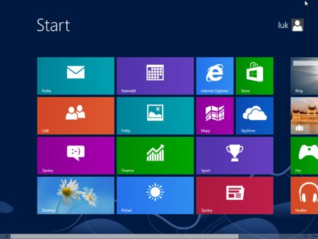 Obrazovka Start ve Windows 8