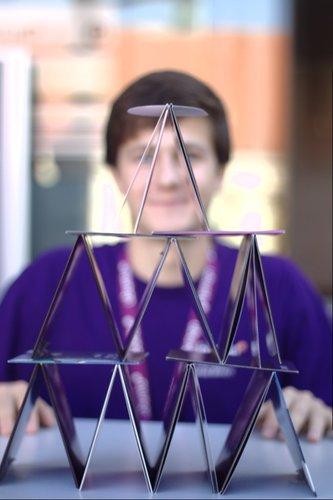 Tomáš Břinčil za pyramidou z médií s Linuxem