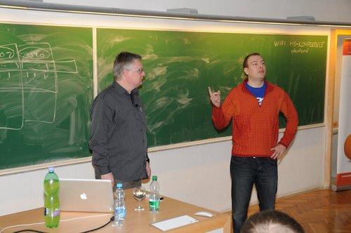 Tomáš Vondra představuje Marca Balmera na P2D2 2011, foto Matěj Humpál