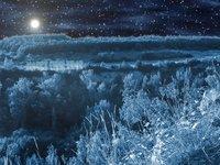 Měsíc nejen pro ozdobu – pomáhá dotvořit realističnost scény