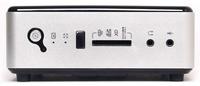 Přední strana se zapínáním, informačními diodami, čtečkou paměťových karet a 3.5 jack porty na sluchátka a mikrofon