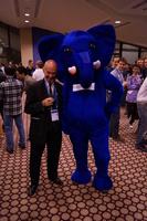 Joe Celko s maskotem PostgreSQL